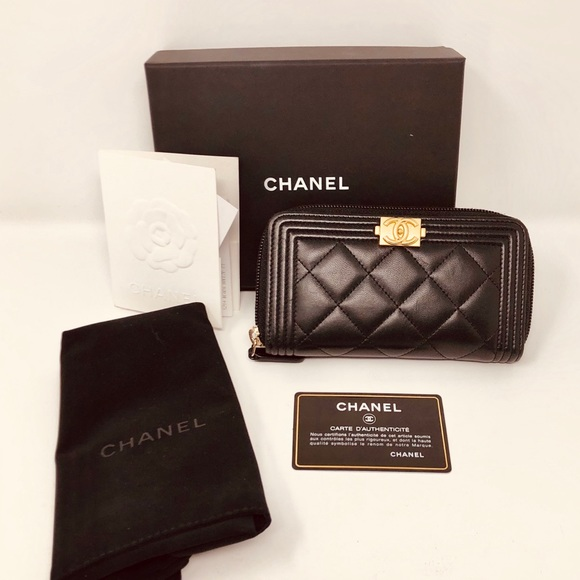 CHANEL Handbags - CHANEL SMALL ZIPPED BOY WALLET